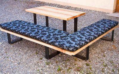 Ein schönes Möbel zum Sitzen und Liegen