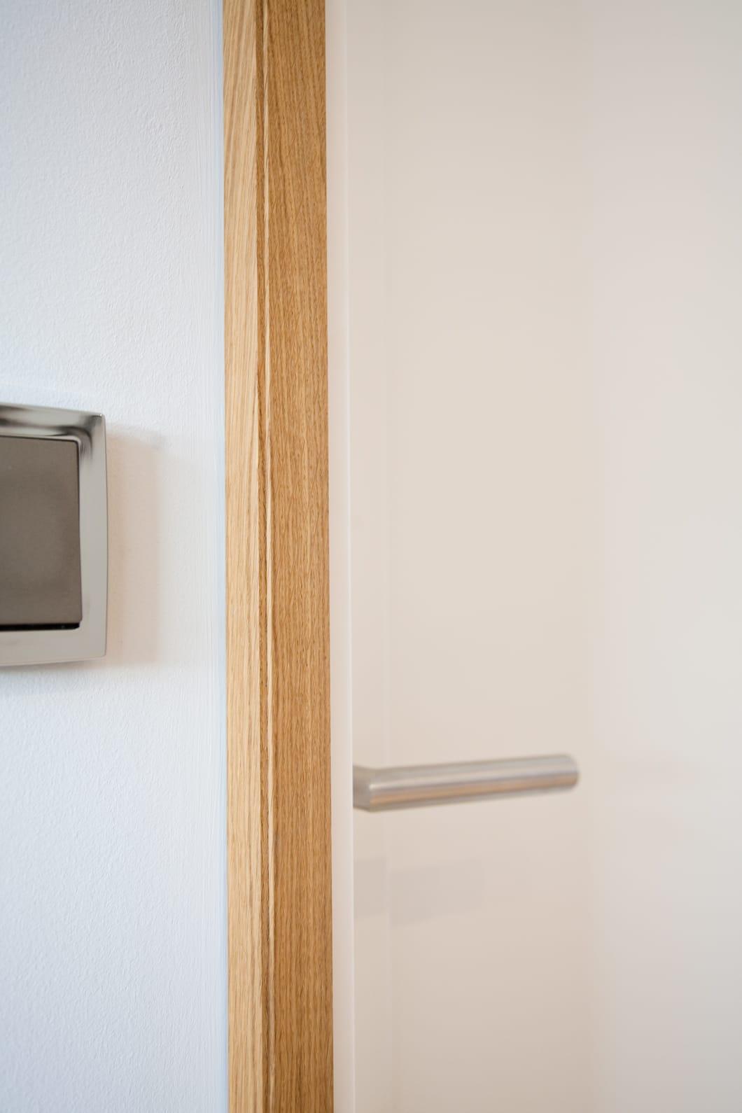 Tür, Einbauschrank, Holzmoebel von einem Schreiner und Raumausstattung aus Raisting am Ammersee